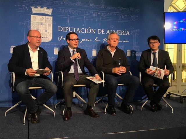 Fernando Giménez, José Juan Soria y Manuel Guzmán, en la presentación de la ruta