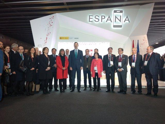 El Rey visita el estand de España en el MWC 2018