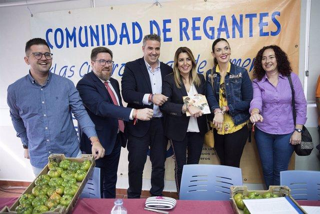 La presidenta de la Junta, Susana Díaz, con regantes en Viator (Almería)