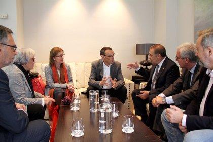 Caraballo recibe a representantes de Diputación y Ayuntamiento de Tarragona y abre la vía a futuras colaboraciones