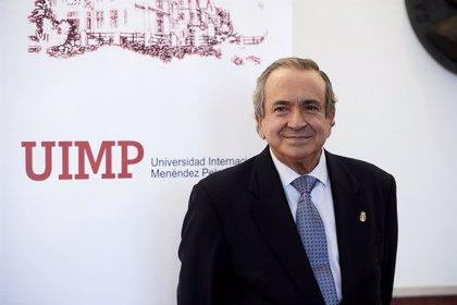 Universidades propondrá el cese de Emilio Lora-Tamayo como rector de la UIMP