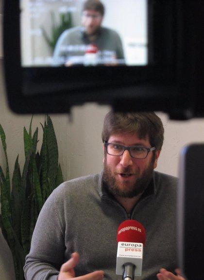 El eurodiputado Miguel Urbán (Podemos) visitará en la cárcel a Jordi Cuixart