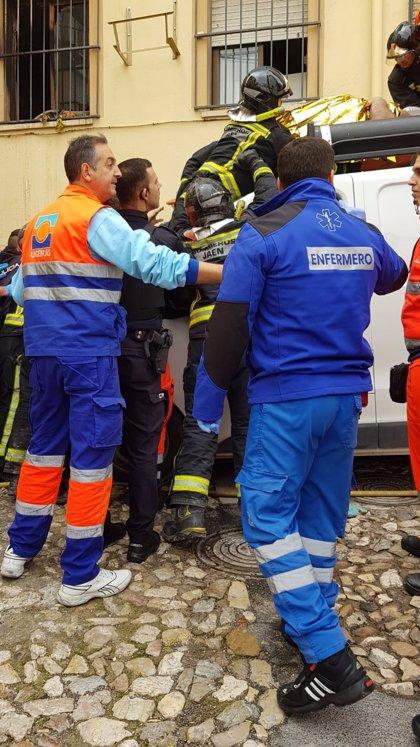En observación tres de los cinco heridos por el incendio de la calle Hornos Negros, en Jaén