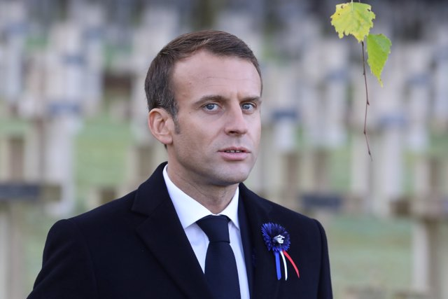 El presidente francés, Emmanuel Macron, en un acto fúnebre en Les Eparges