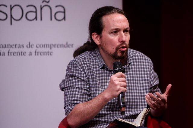Pablo Iglesias presenta el libro Nudo España