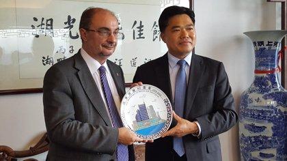 """Lambán cree que ver a China como primera economía del mundo """"dará ventajas a Aragón"""""""
