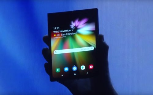 Smartphone de Samsung con pantalla flexible