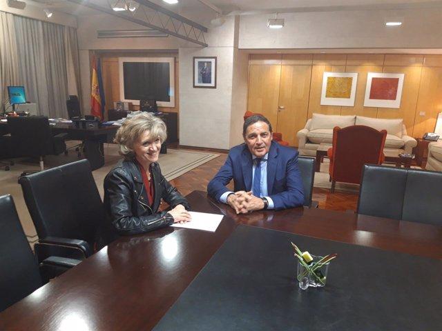 Sáez Aguado, en la reunión con la ministra de Sanidad. 7-11-2018