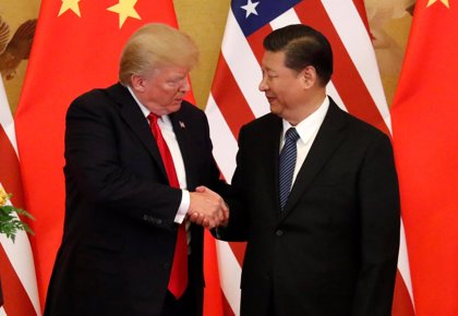 China asegura que debe resolver las tensiones comerciales con EEUU a través de conversaciones