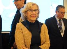 Carmena tanca el Fòrum de Pau en un taula de dones amb Colau, la Nobel de la Pau Bouchmaoui i l'expresidenta de Libèria (Nacho Naya/DPA)