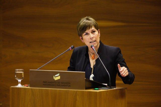 Uxue Barkos, presidenta del Gobierno de Navarra, en el Parlamento foral.