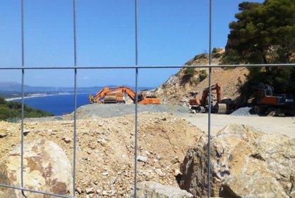 Salvem la Costa de Begur reclama que s'aturin les obres per fer 24 habitatges de luxe a la Pedrera de s'Antiga
