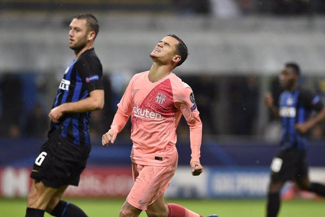 Coutinho en un lance del Inter - FC Barcelona
