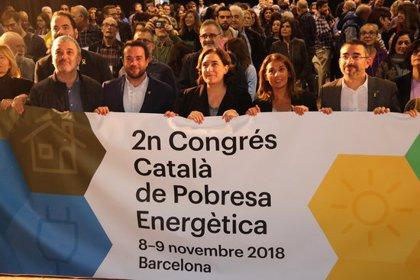 Barcelona evita 10.000 talls i atén 50.000 persones per pobresa energètica en un any i mig