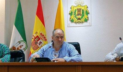"""Alcalde de Los Barrios (Cádiz) no se retracta e irá """"encantado"""" al juzgado ante la demanda del alcalde de San Roque"""