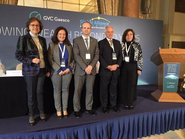 Govern i Generalitat reivindiquen davant inversors el creixement