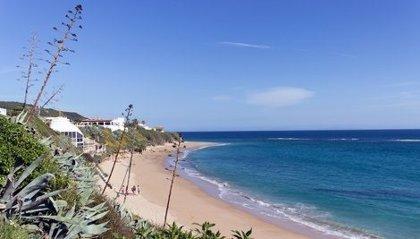 Hallado un séptimo cadáver en Los Caños de Meca (Cádiz) de la patera siniestrada