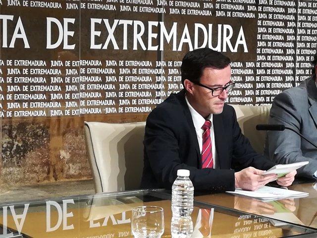 Miguel Ángel Gallardo en rueda de prensa este jueves en Mérida