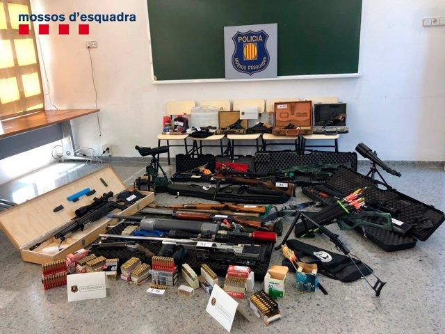 Arsenal del detingut per presumptament voler matar Pedro Sánchez