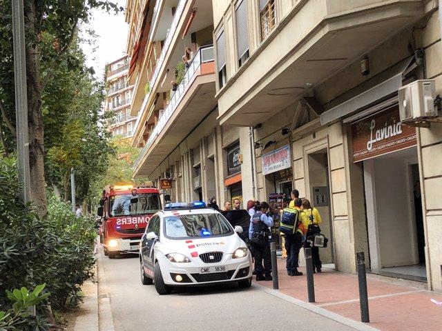 Els Mossos s'emporten el lladre d'un edifici de l'av.Mistral de Barcelona