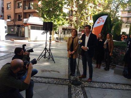 """Marín (Cs) afirma que Andalucía """"no se merece"""" una presidenta que tenga que """"dar explicaciones"""" de casos de corrupción"""