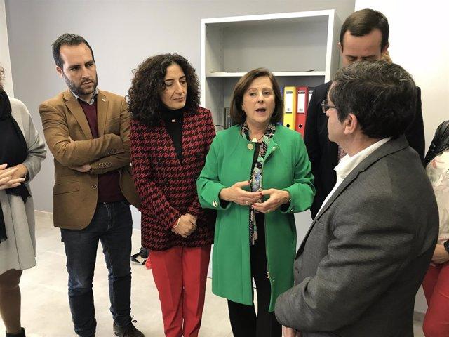 Sánchez Rubio visita el centro de atención social de Cruz Roja
