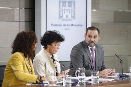 """El Govern espanyol considera un """"incident aïllat"""" l'intent d'atemptar contra Pedro Sánchez i demana """"prudència"""""""