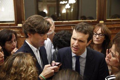 """Casado avisa a Rivera que se """"equivocará"""" si negocia los Presupuestos de Sánchez, que parten de una base """"negativa"""""""