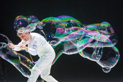 Pep Bou emprendrà un viatge de bombolles en un espectacle al Festival Temporada Alta