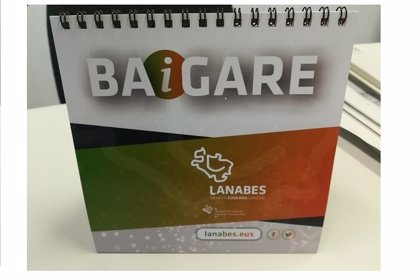 Diputación alavesa y Laneki crean un soporte de escritorio para impulsar el uso del euskera entre empleados y clientes
