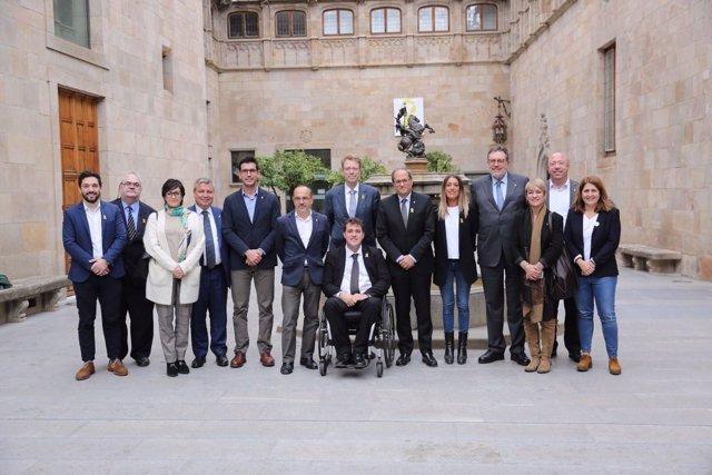 El pres. De la Generalitat, Quim Torra, amb diputats i senadors del PdeCAT