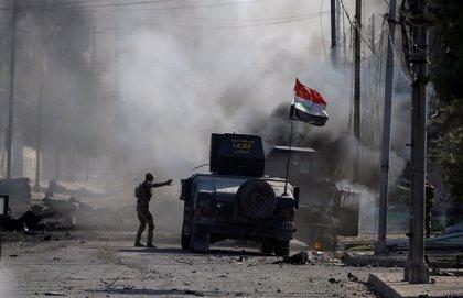 Mueren tres personas en un atentado con coche bomba cerca de un restaurante en Mosul (Irak)