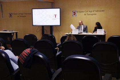El Col·legi d'Advocats de Tarragona recomana als afectats per l'impost de les hipoteques que s'agrupin per reclamar