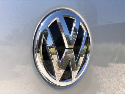 Volkswagen planea lanzar un eléctrico 'asequible' para competir con Tesla