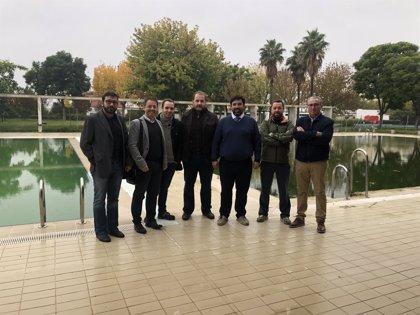 Arrancan las obras para dotar de cubierta y climatización a la piscina municipal de Lora