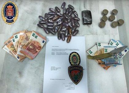 Dos detenidos con medio kilo de hachís en Granada capital
