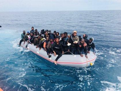 Rescatadas 319 personas de siete pateras en aguas de Alborán
