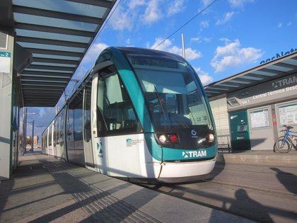 El Parlament demana unir el tramvia barceloní per la Diagonal i congelar tarifes de transport