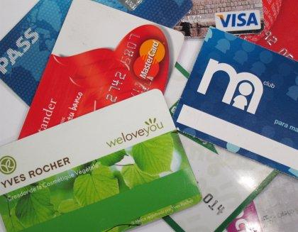 Siete de cada diez mallorquines prefieren los pagos electrónicos frente al efectivo en sus compras diarias