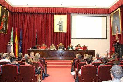 El jefe de la Fuerza Terrestre imparte en Sevilla la conferencia inaugural del máster en Comunicación y Defensa