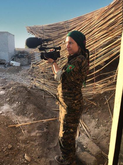 """Alba Sotorra retrata la """"lluita feminista radical"""" de les dones kurdes contra el Dáesh"""