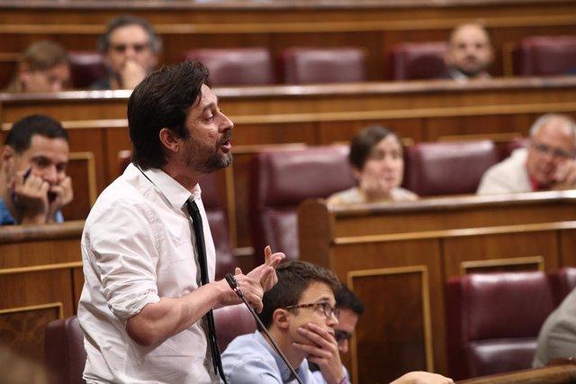 Rafael Mayoral en la sesión de control al Gobierno en el Congreso