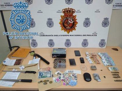Detenida en Dos Hermanas (Sevilla) una pareja que transportaba 151 gramos de hachís en un coche