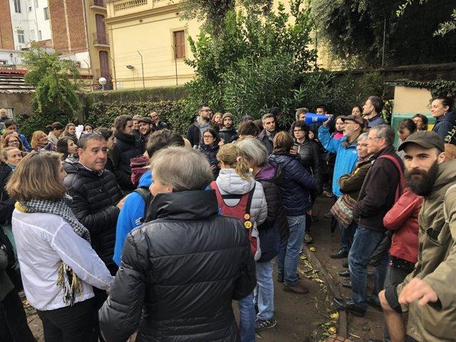 Vecinos protestan por el derribo de tres casas en Gràcia