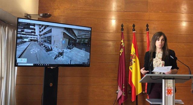 Rebeca Pérez explica el plan de contenedores soterrados