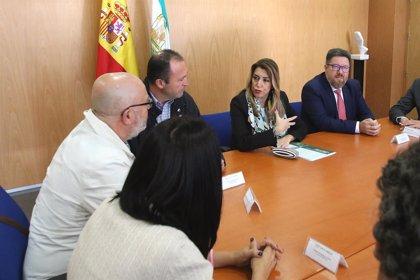 """Susana Díaz ve una """"posible salida"""" para la planta del Cemex en Almería pese al ERE que posibilita la """"reforma laboral"""""""