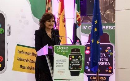 """Carmen Calvo asegura que la igualdad """"no es una moda"""" y ha venido para quedarse en la agenda política de los gobiernos"""