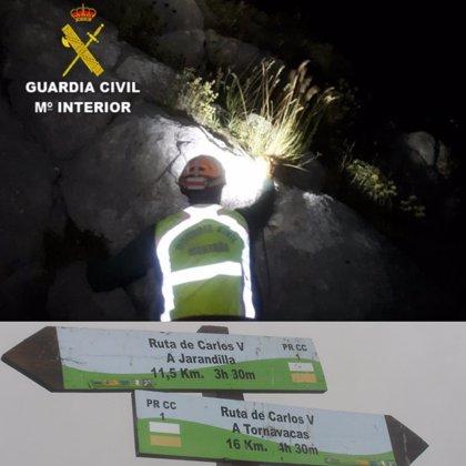 La Guardia Civil rescata a un senderista desorientado tras una pérdida de consciencia en Aldeanueva de la Vera