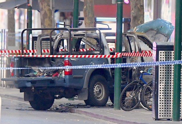 Vehículo incendiado en ataque de Melbourne