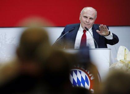 """Hoeness cifra en """"dos o tres años"""" su caducidad como presidente del Bayern"""